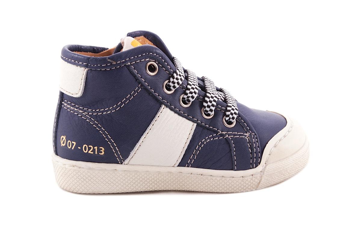 Sneaker Blauw Met Witte Streep