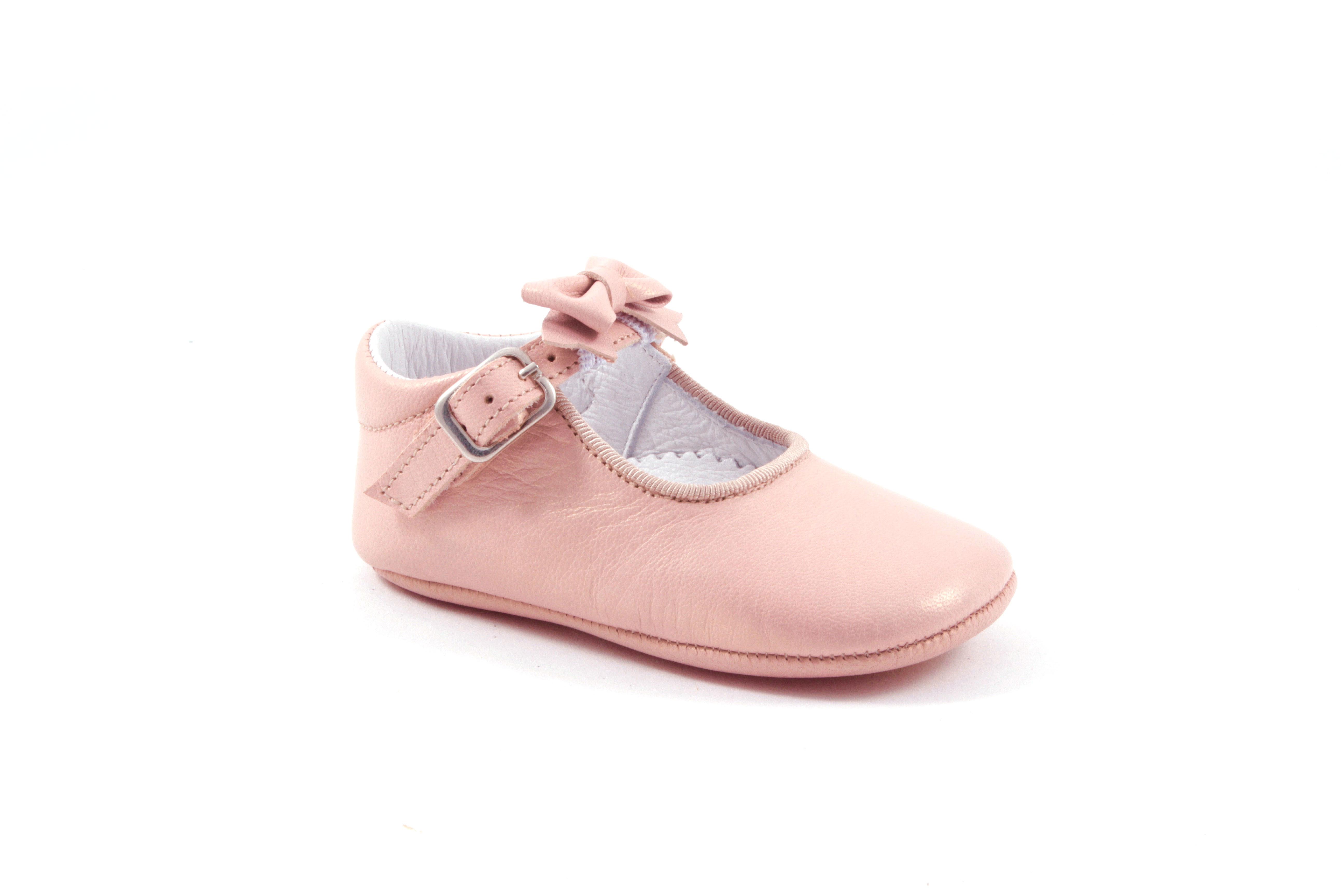 pantoffel  in roze met gespje