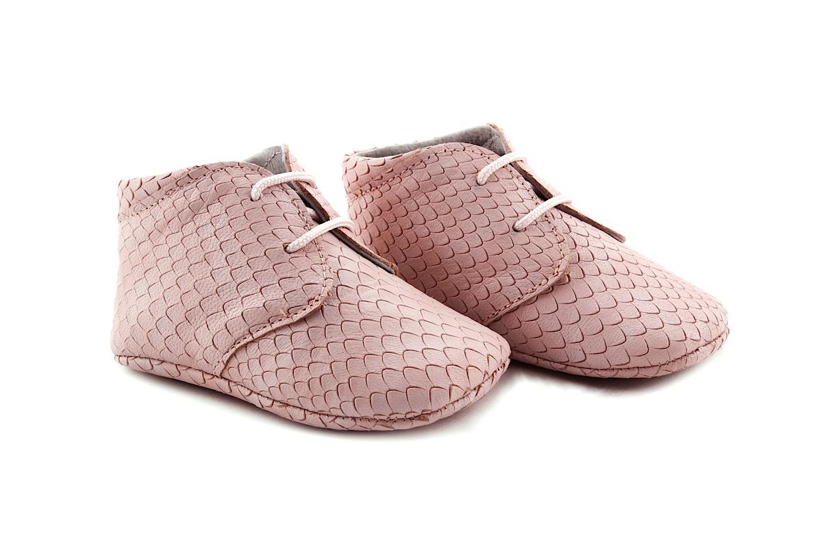 Tricati veterschoentje roze schubjes