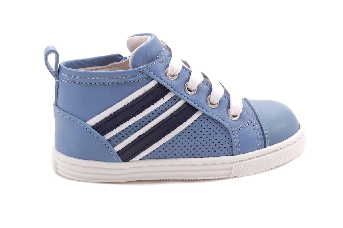 Sneaker Lichtblauw En Rubber Tip 2 Strepen Wit En Blauw