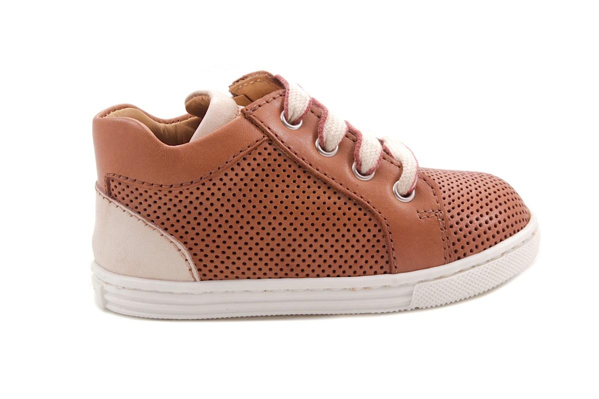 Sneaker Cognac  Klein Geperforeerd