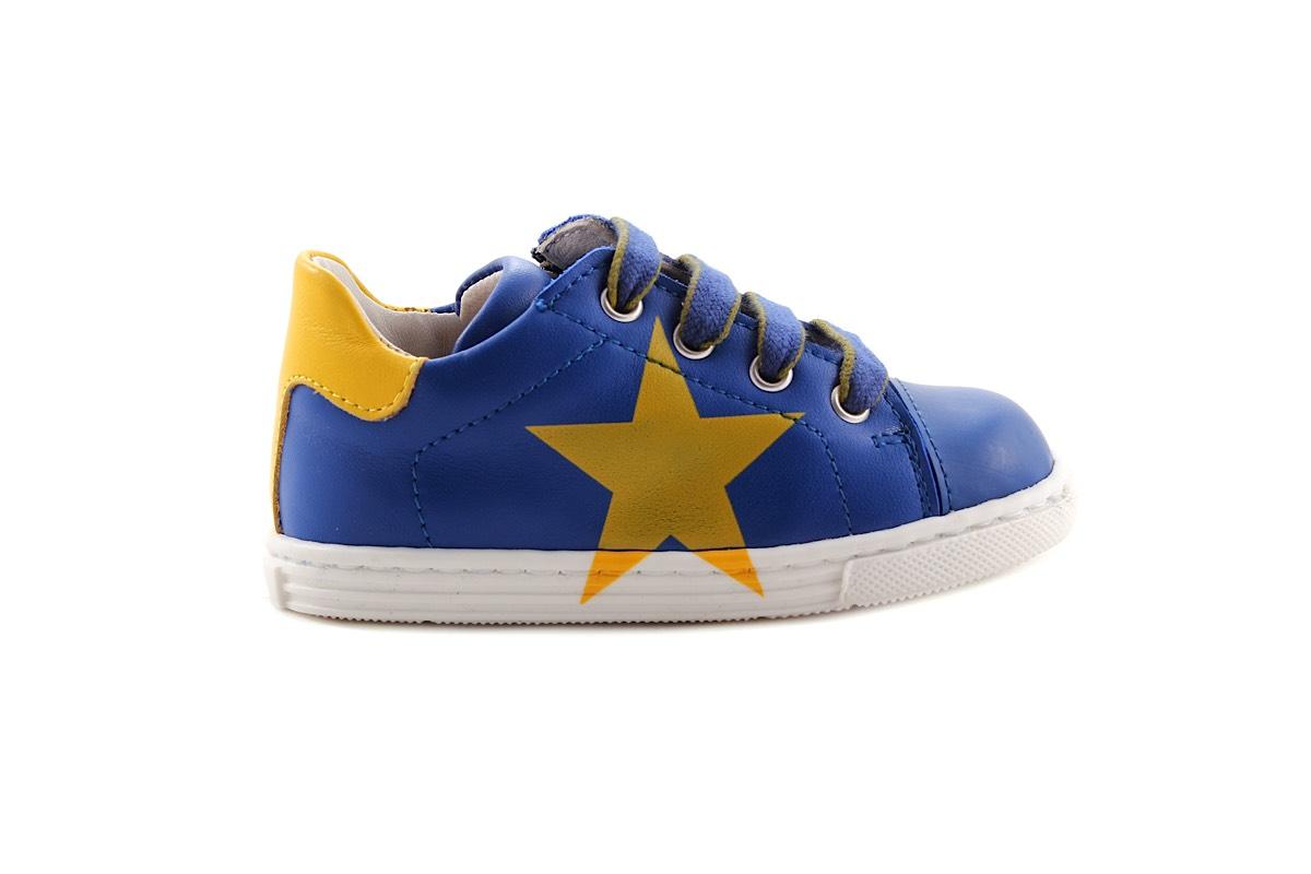 Sneaker Klein Blauw Met Gele Ster
