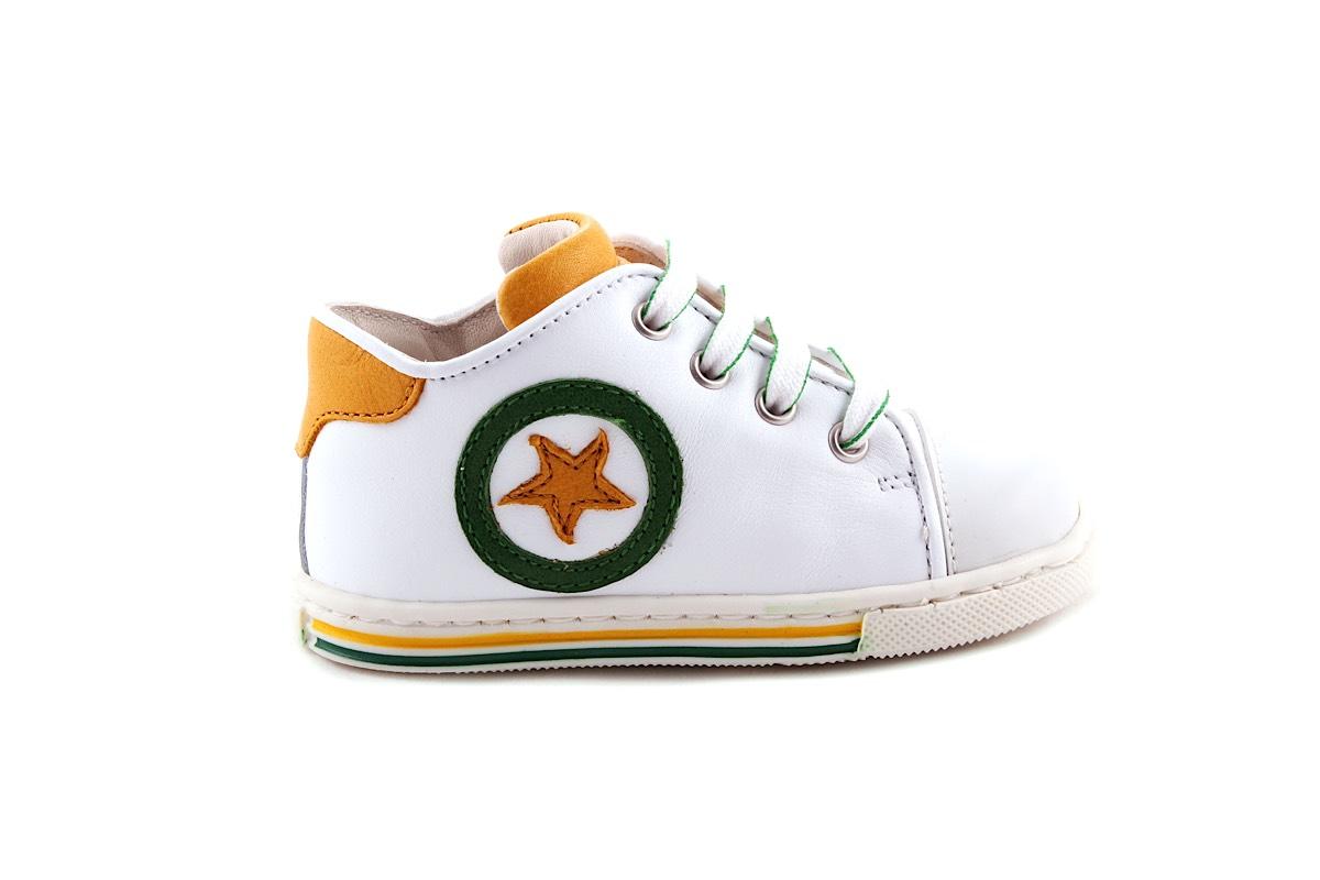Sneaker Wit Met Groen En Geel Ster