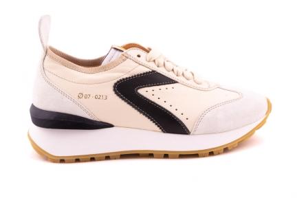 Sneaker Runner Wit Met Zwarte Accenten