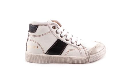 Sneaker Veter Wit Met Zwart Rubber Tip