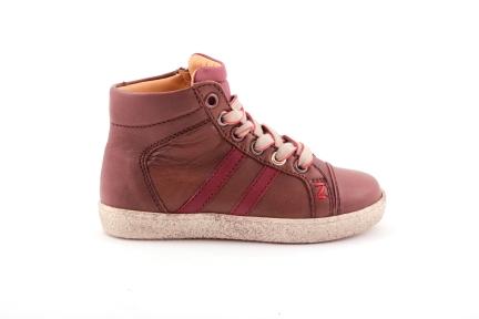 sneaker in bruin met bordeaux en rubber tip