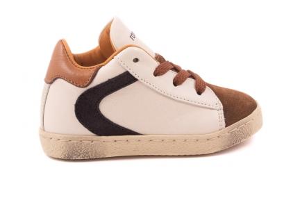 Sneaker Klein Beige Bruin Nubuck Tip