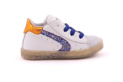 Sneaker Witte Crosta Tip Met Glitter Detail Blauwe Glitterveter