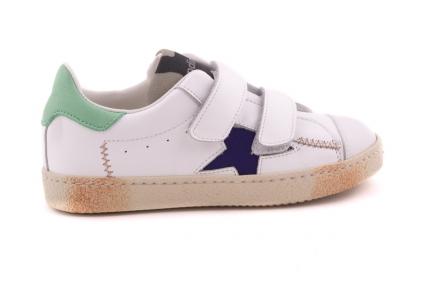 Sneaker Wit Met Blauwe Ster En Mint Detail Velcro