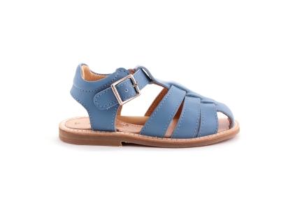 Sandaal gesloten tip open hiel lichtblauw