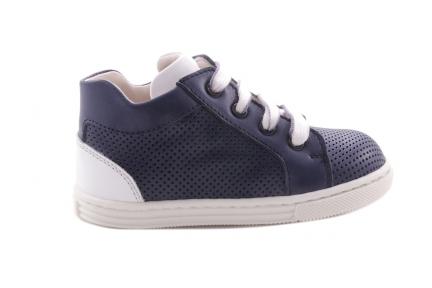 Sneaker Blauw Klein Geperforeerd