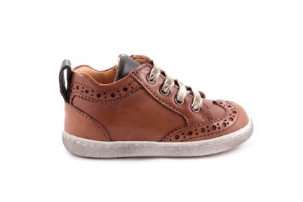 Sneaker Cognac Met Gaatjes Groen Accenten