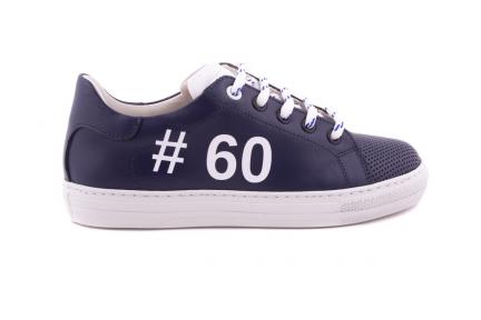 Sneaker Groot Blauw Met Perforatietip Hashtag En Witte Accenten