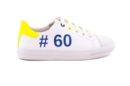 Sneaker Groot Wit Met Rubber Tip Hashtag En Gele Fluo Accent