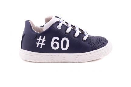 Sneaker Klein Blauw Met Perforatietip Hashtag En Witte Accenten