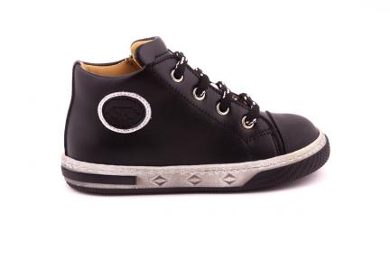 Sneaker Rubber Tip Zwart Met Embleem