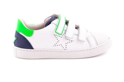 Sneaker Wit Met Details Blauw En Groen  Velcro Met Ster Perforatie